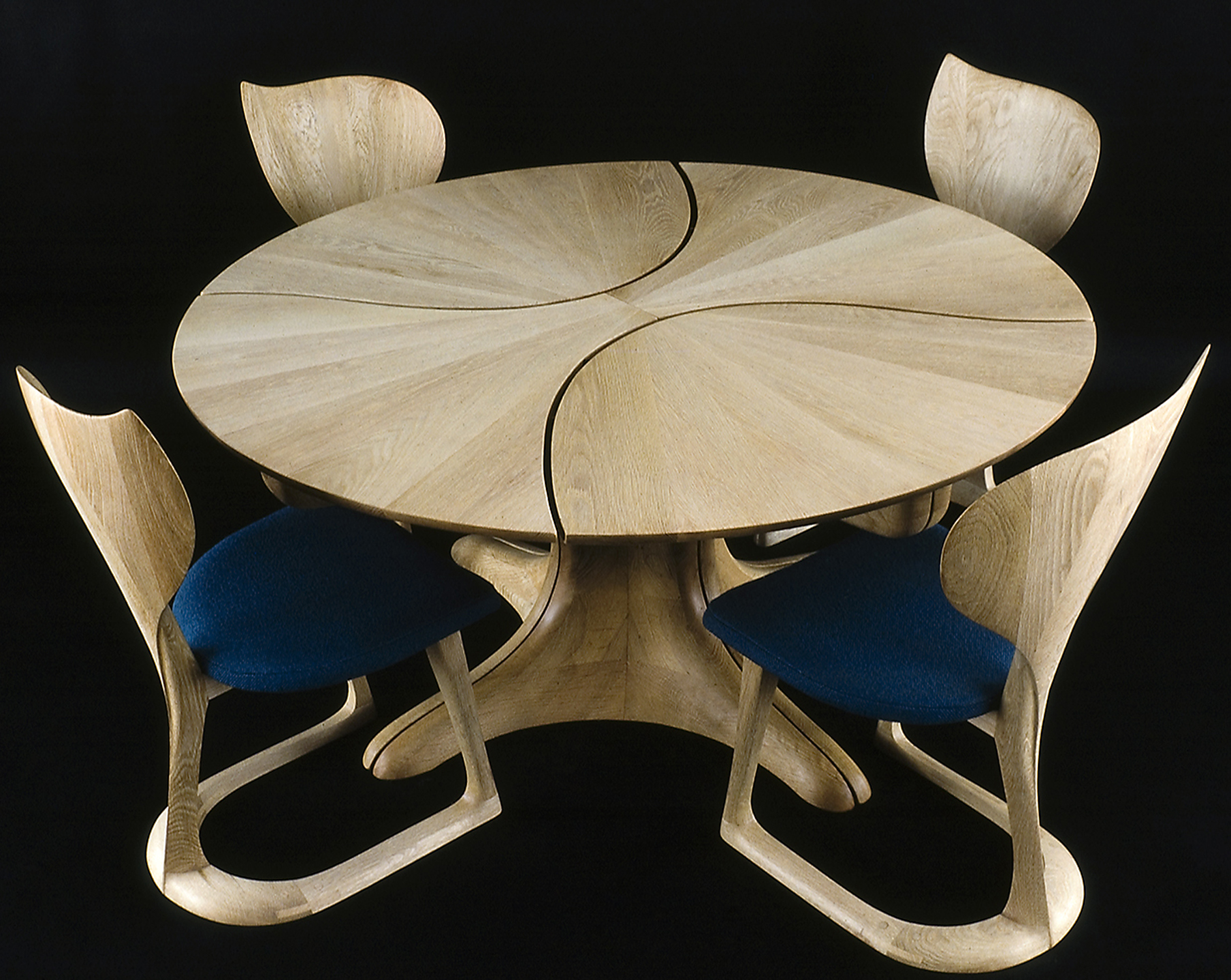 Bespoke Global Product Detail Lily Pad Table and Chairs II
